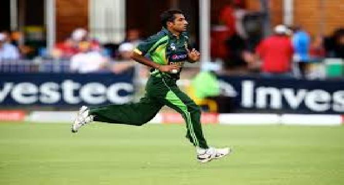 Worst Bowling Ever from Pakistani Bownler
