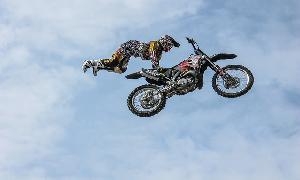 Akshay kumar's live stunts