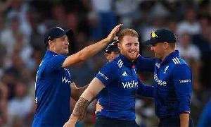 Record-breaking England beat Pakistan in 3rd ODI