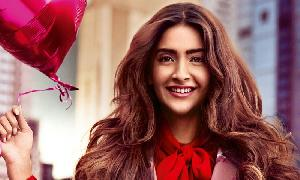 Sonam Kapoor signs contract with Hollywood talent agency