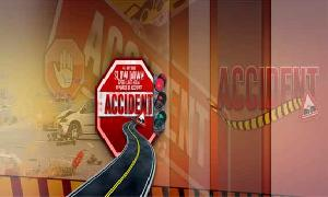 5 dead after a collision between car and trailer